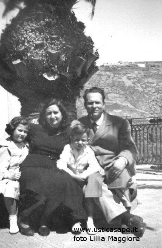 Ustica, famiglia Iovane