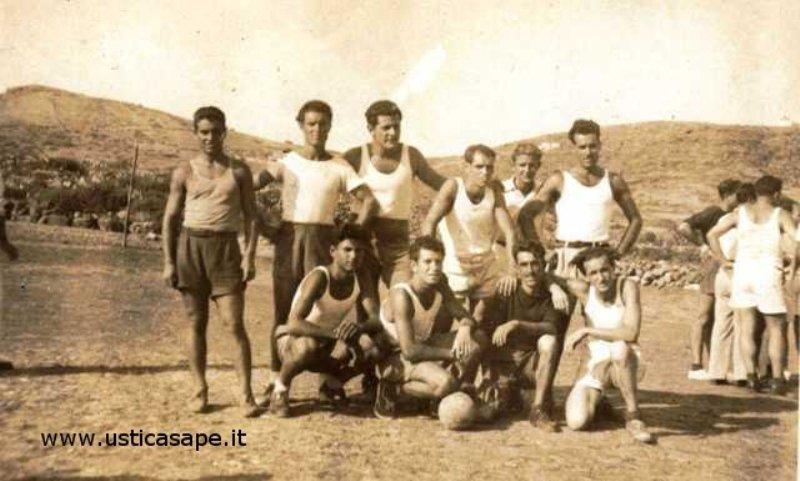 Ustica, squadra calcio vecchie glorie