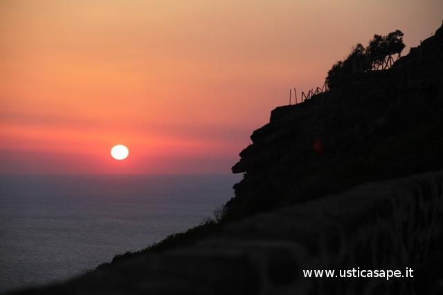 Ustica, alba vista dal Rivellino