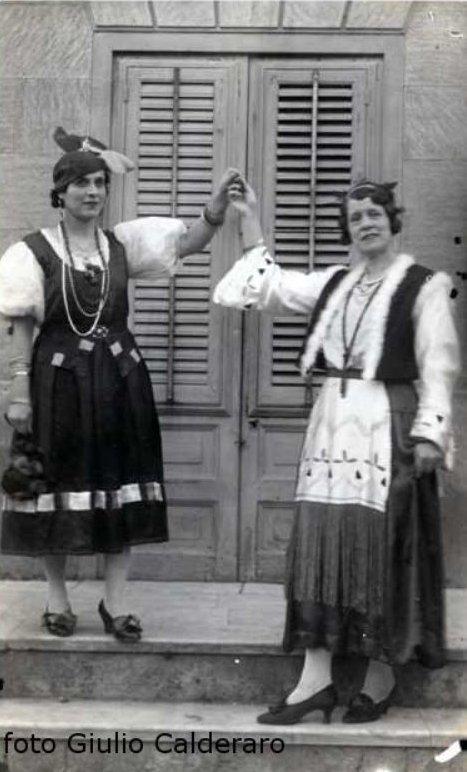 Ustica, foto d'epoca - recita