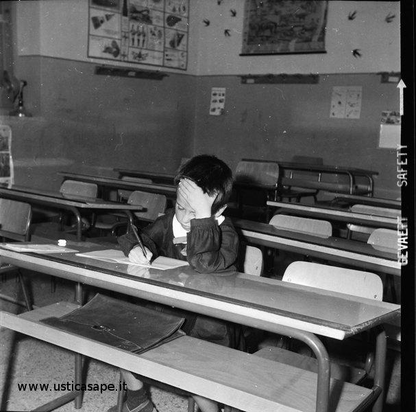 bambino, compito, classe