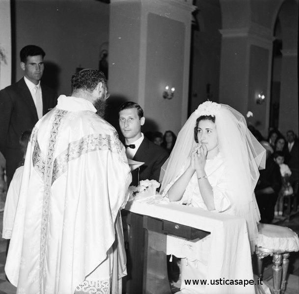 Matrimonio Salmeri Famularo celebrato da P. Carmelo e testimone Nino Lo Schiavo