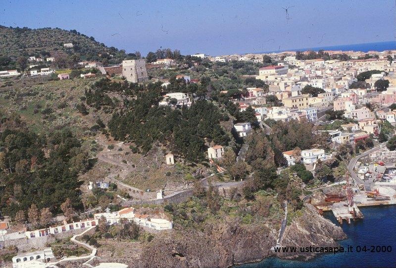Ustica, Panorama dall'alto aprile 2000