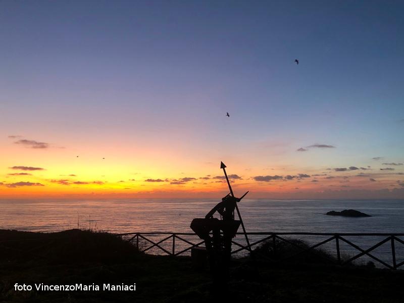 Ustica, la sosta del guerriero al tramonto