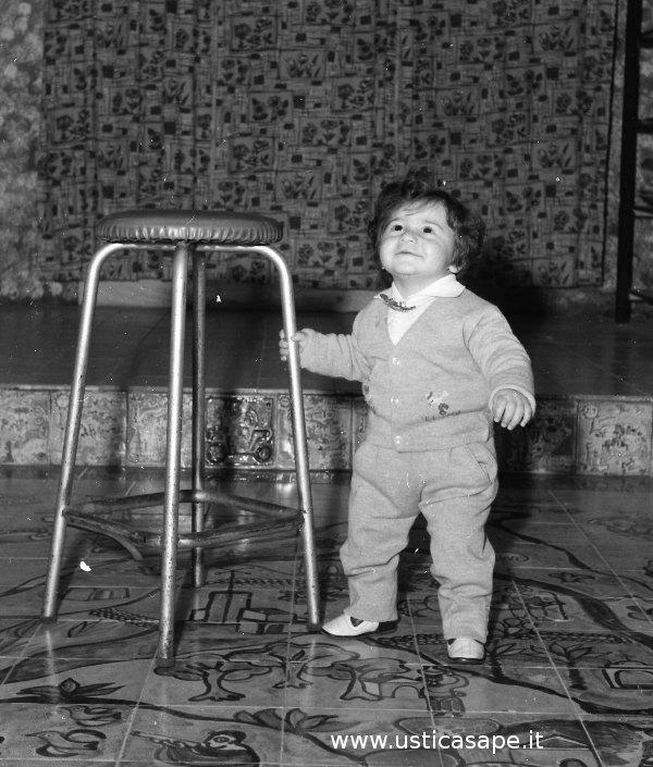 Ustica, bambino ringrazia per i primi passi