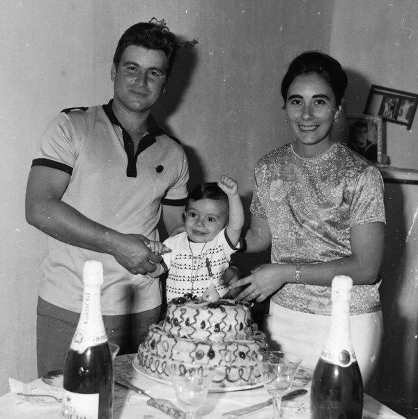 La famiglia Bertacci festeggia il primo compleanno della figlia