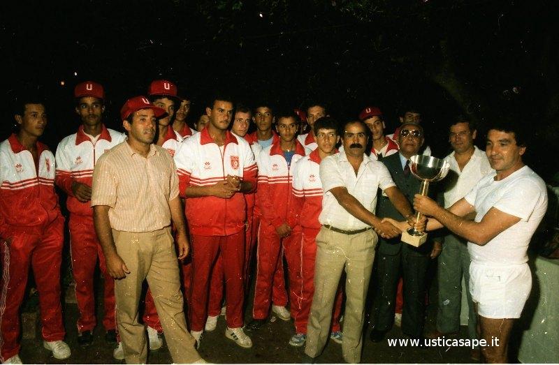 Ustica, premiazione squadra di calcio