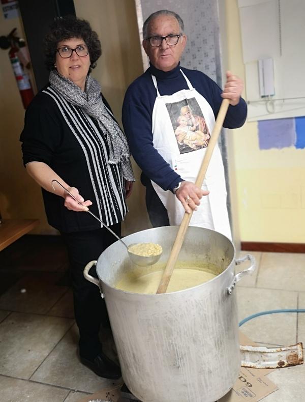 Ustica, Preparazione pasta e ceci di San Giuseppe