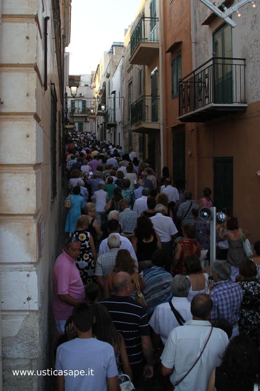 al seguiti, processione, Ustica